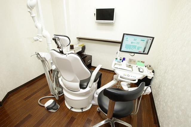 エルデンタルクリニック(矯正歯科)の個室診療室